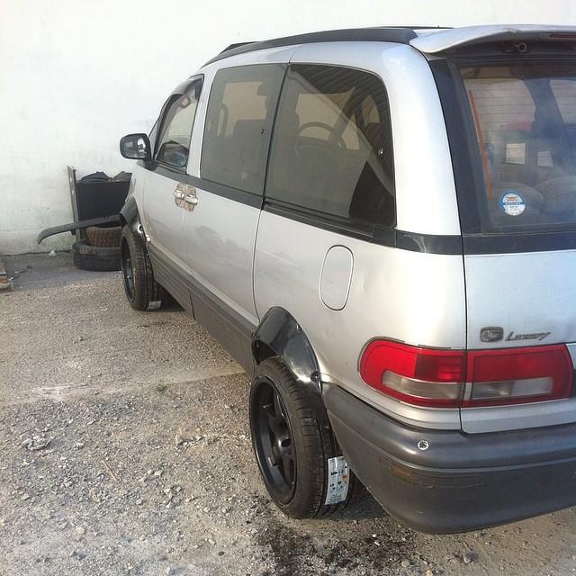 Modifying the new tow vehicle for the dmac86 #dmac #dmac86 #falkentire #mcnsport #estima #dmacspec #bangbus