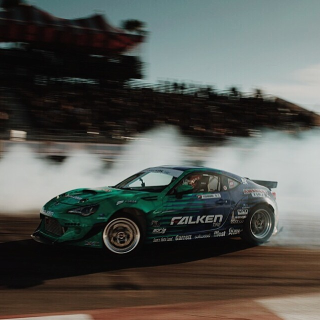 Slide or @daiyoshihara @falkentire Photo by: @larry_chen_foto #formulad #formuladrift