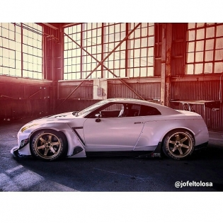 Rocket Bunny R35 - Photo by @jofeltolosa / @importtunermagazine