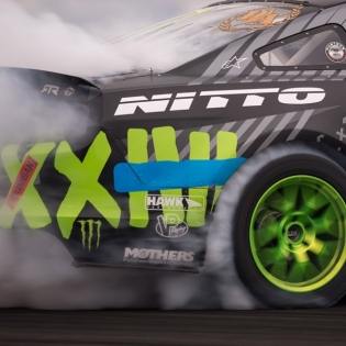 Shredded @vaughngittinjr @nittotire | Photo by @linhbergh |