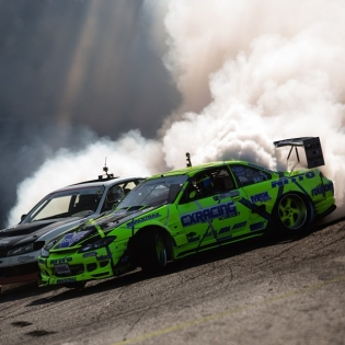 Smoke machines @mattfield777 @odidrift @nittotire | Photo by @larry_chen_foto |