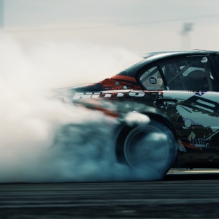 Smoked @chelseadenofa @nittotire | Photo by @linhbergh |