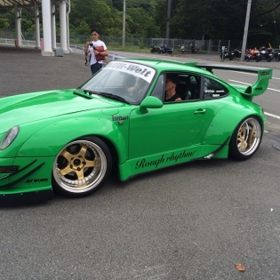We were given the keys and had the pleasure of rolling around Fuji in the RAUH-Welt of Toshiya San. Not a bad way to pull up to the @fatlace meet at Tanoshi!