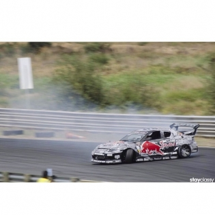 NZDrift Nationals this weekend at Hampton downs on Sunday, come check the fresh Gen6 and some BIG deep entries like this | pic props @roowills