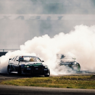 Smoke screen @robbienishida @ryantuerck | Photo by @larry_chen_foto |