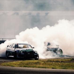 Smoke screen @robbienishida @ryantuerck | Photo by @larry_chen_foto |