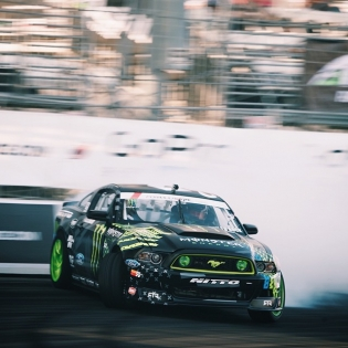 Go deep @vaughngittinjr @nittotire | Photo by @larry_chen_foto |