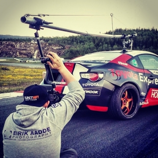 How to set up a rig shot! Behind the scenes of @aadde01 at work at Arctic Circle Raceway this summer.