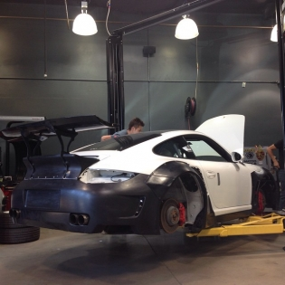 LB★Works 997 2 car starting installation! For 2014 SEMA