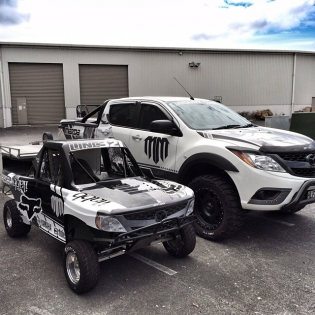 @lincoln_whiddett is saying his styled will waste my MAZDA BT50 on track!