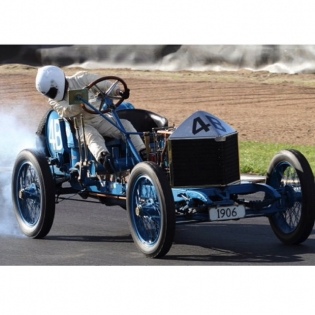 Burn'em up! Anne Thomson – 1906 Grand Prix I'm looking forward to seeing this and many other classic cars and bikes race up the drive at @leadfootfestival here in New Zealand next weekend.