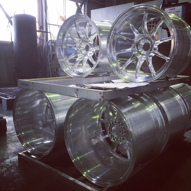 Checking out the production of our Super GT wheels at the factory today. Those beauties will go on the GAINER Nissan GT-R Nismo GT3 no.10 this year! #artofwheel