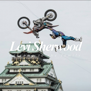 My @redbullnz brother @levi_sherwood just joined the #ilabbfamily! Best of luck to ya bro for over at @redbullxfighters in Mexico! Massiveness @ilabb