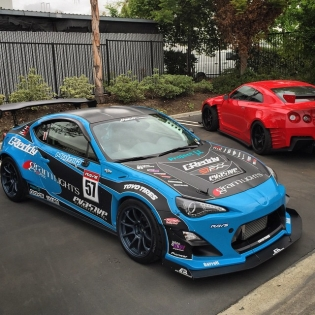 Unfortunately dates conflict with this year's Pikes Peak Hill Climb, so we will not be able to race with our drift FR-S. However that doesn't mean we will not be involved in a effort. Here is the x @raysmsc @scion FR-S ready for some more upgrades for the hill climb...