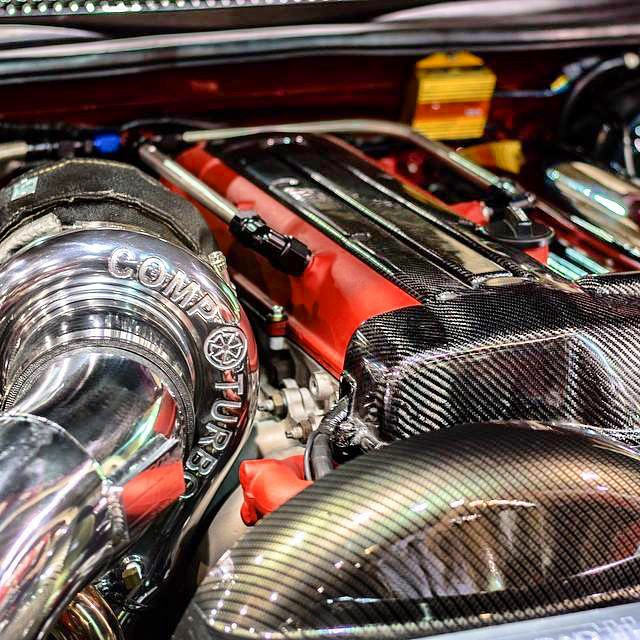 Yummy! Awesome looking VVTi #2JZ setup via @compturbo We've been running their turbos on our straight sixes for four years and we've been blown away by both power numbers and spool. Part of the key is that Comp have plenty of sizing options for their billet line of turbos.