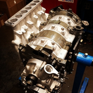 Dry sumped 20b going together at Mazdatrix! Built to the KMR drift cars specs.