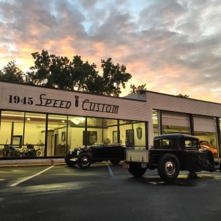Finished off the day with a trip to @1945speedandcustom for #GarageTours. Jeremy Baye started this shop in Troy, NY 3 years ago building period correct 30's hot rods, along with all kinds of other cars. They also run the @oilerscarclub with the where they race these cars and bikes on the beach! @networka @valvoline