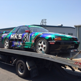 I'll be piloting the R32 Group A race car....'s tow truck to Gunsai Circuit today with our suspension guru Kenji.