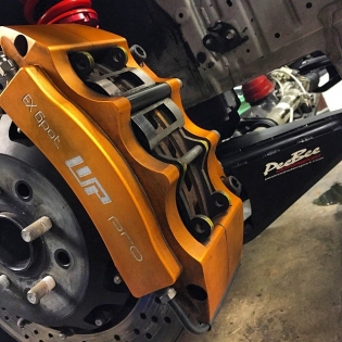 Our @wpprobrakes EX6-360 front brakes and @peebeemotorsport front lower control arms on the #86X. Things are happening - we have quite a few updates for the European program that we'll show you soon!