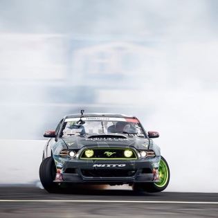 3 Wheel @vaughngittinjr @nittotire | Photo by @larry_chen_foto