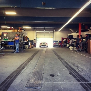 @ryantuerck showing us around @namelessperformance for a new episode of on @networka. Needless to say... It was a fun time! @valvoline