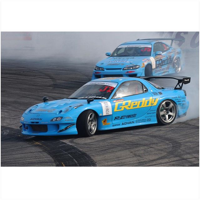 Happy 7-7! How about a little throw back Tuesday with this 2006 @greddyracing X #REamemiya #D1 #FD3S #RX7