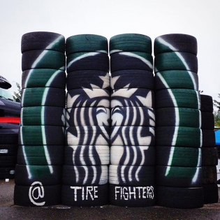 I always look forward to seeing the @tirefighters' tire art at @formulad events!