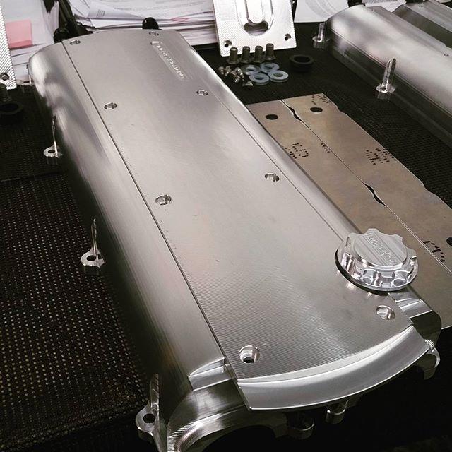 Ocdworks billet 2jz valve cover with v2 old coil cover combo. Clean look. #supra #2jz #2jzgte #docrace #2jzge #2jzswap #mkiv #mkivsupra #jza80 #drift #formulad #supraforums #supranation #supratt #turbo #boosted #boost #turbocharger #vvti #toyota #t51r #hkst51r #jdm