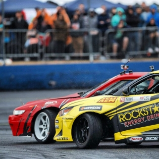 Cool Formula Drift Seattle (tandem drift) shot by @larry_chen_foto chasing @patgoodin. Good times!
