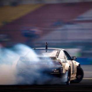 Smoke machine @coffmanracing | Photo by @larry_chen_foto