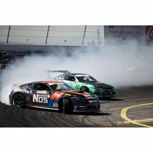 @larry_chen_foto caught my @hankookusaracing teammate @forrestwang808 and I running some tandem yesterday during practice. Always fun to get out on the track on Thursday and shake the cars down.