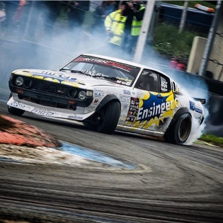 Shoutout to @darkhorsehuxley and his super cool #RA28 Toyota Celica! #OldSkool #Drift