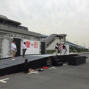 Tokyo motor fes × みんなのモーターショー。動くクルマ図鑑ステージでは松井有紀夫選手がGT-Rとかロードスターをドライブ。ドリフトパフォーマンスも織り交ぜて大盛況でした。明日もありますよー♪ #drift #odaiba
