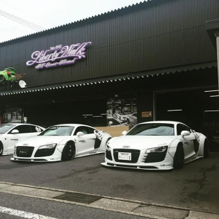 LIBERTY WALK自由に歩く★★★ LB★WORKS AUDI JAPAN LIBERTY WALK KATO'S CUSTOM 2CAR