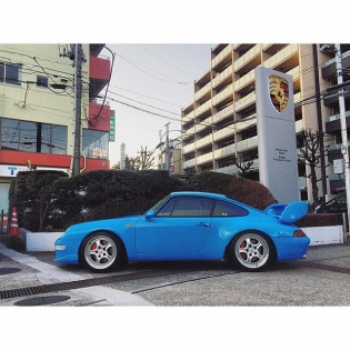 #Repost @directorlukeh ・・・  Seen a nice 993 RS today while we were out shooting a project in Setagaya... #porsche #993 #rs @porsche #setagaya #classiccars #blue #lukehuxham