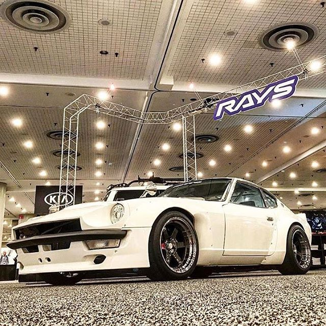 @sungkangsta's GReddy-built @fugu_z makes it's east debut at the today. Find it at the show in the booth #1611. @raysmsc