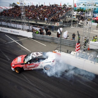 @formulad Hotlanta starts this week. My favorite track and event on the FD schedule. Who's coming out to get a sweet taste of @hankookusa tire smoke and @vpracingfuels?... @gumout @namelessperformance @bcracingna @tothegrid @optimabatteries @fifteen52 #RT4114️⃣1️⃣1️⃣
