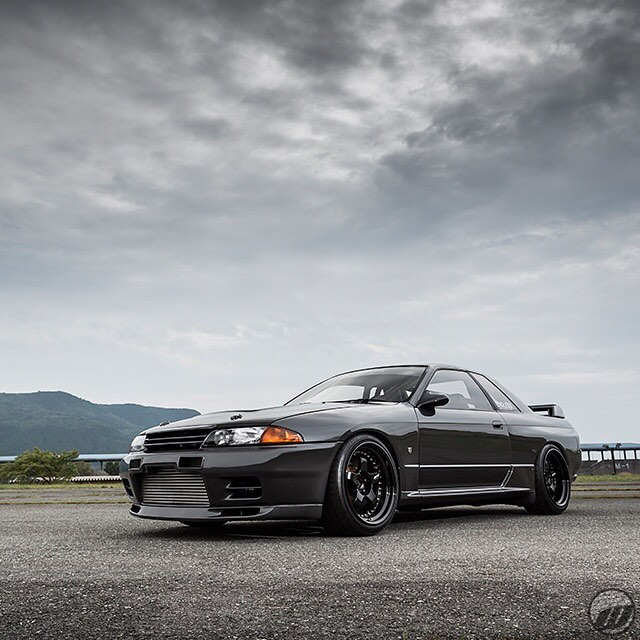 Garage Active Nissan Skyline GT-R on WORK Meister S1 F:18x10.5J +12mm / R:18x10.5J +11mm