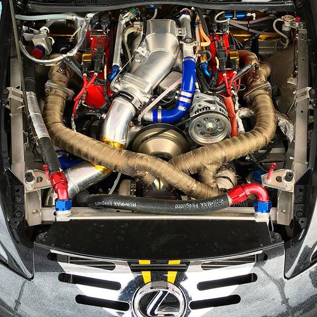 In case you were wondering what the engine bay of the LFA looks like.