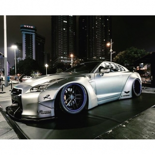 LIBERTY WALK LB★WORKS GTR R35 CHINA PEKIN CUSTOM @libertywalkkato #libertywalk #lb #lbperformance #lbworks #dub #forgiato #libertywalkkato #monsterenergy #tnpperformance #sunusmotorsports #ltmw #gtautoconcepts #aylezo #premierautowerkz #srautogroup #reinartdesign #infinitemotorsport #978motoring #race1_sa #airrex #fiexhaust #sidney_industries #libertywalkuk #jinperformance #theperformaceco #worksnation #falken