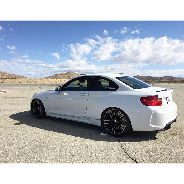 Out here at Willow Springs and shooting some stuff with the @indstyle M2 and the @kw_suspension crew!