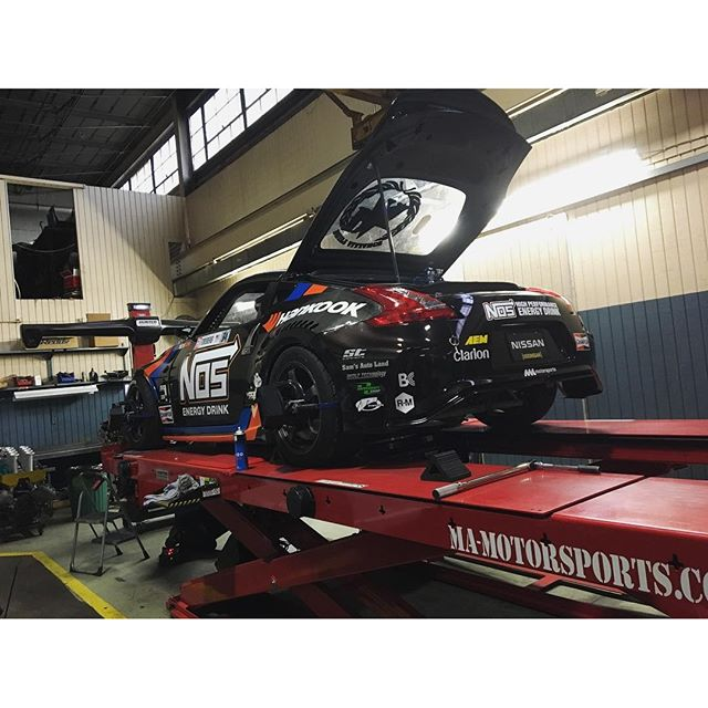 Putting the finishing touches on the pro car before loading it up for Round 2 in Atlanta.