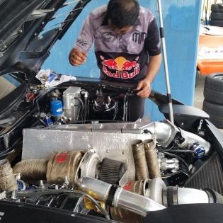 The @tcpmagic 4 rotor RX7 engine piloted by @madmike_drift #FDJapan #FormulaDrift #FormulaDriftJapan #FormulaD #JDM @redbulljapan @redbullnz