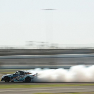 Smoke trails @kengushi @nexentireusa @scionracing @greddyracing | Photo by @larry_chen_foto #formuladrift #formulad
