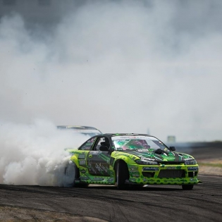 Smoked screen @mattfield777 @falkentire | Photo by @larry_chen_foto #formulad #formuladrift