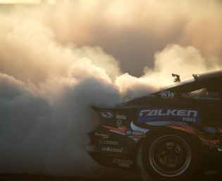 #roushperformance @justinpawlak13 @falkentire | Photo by @larry_chen_foto #formuladrift #formulad