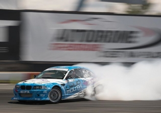 Never lift @michaelessa @achillestire #formuladrift #formulad