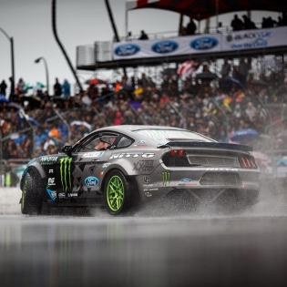 Whatever the weather @vaughngittinjr @nittotire #formulad #formuladrift