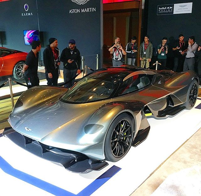 @astonmartinlagonda X @redbullracing AM-RB 001 concept. To be equipped with a naturally aspirated Cosworth V12!
