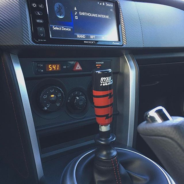 @codyslack rocking that @mishimoto shift knob in his FRS/GT86. Thanks for the support homie